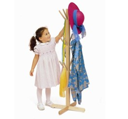 Dress Up Tree With Pegs